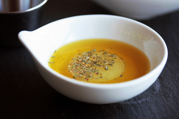 Olive Oil, Lemon, and Thyme