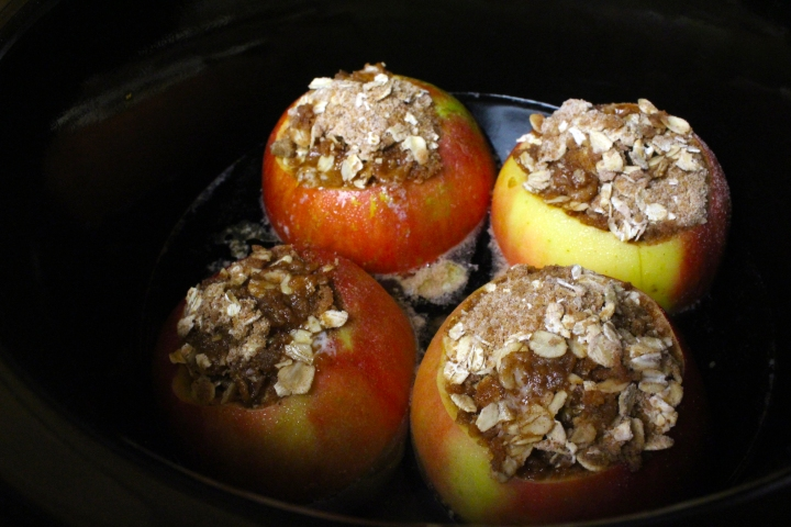 crockpot-stuffed-apples-05