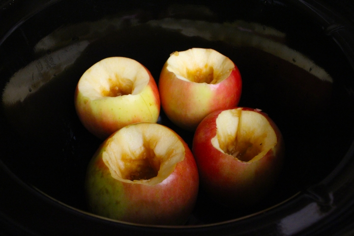 crockpot-stuffed-apples-07